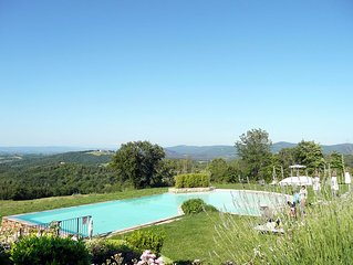 Stunning 3 Bedroom Restored Villa Near Siena With Panoramic Swimming Pool