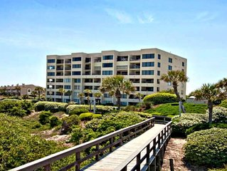 Perfect location on the beach - Still a few Fall Weekends Left!