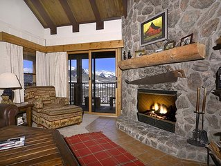 Remodeled Spacious Slopeside Condo W/ Amazing Views, Washer/Dryer, Sauna