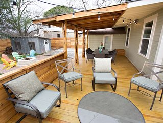 The Sapphire Door: 1 Block from Main St, Large Patio and Cozy Hammock