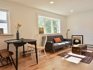 2King Bed BR Private Apt Downtown Brunswick