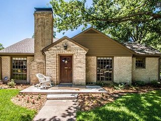 Charming 3-BR/2BA M-Streets Bungalow - near everything!