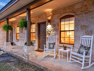 Hill Country Retreat - Private Hot Tub - One Mile From Downtown Dripping Springs
