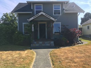The Rustic Charmer!! Adorable newly remodeled home in-town Port Angeles,WA