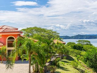 Enjoy Paradise in this Gorgeous Villa with Beautiful Gulf Views!!