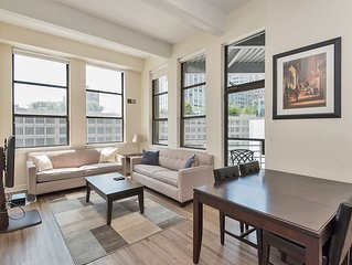 Gorgeous 2 bdrm 2 bath apartment steps from PATH, great views, by NYC, sleeps 6.