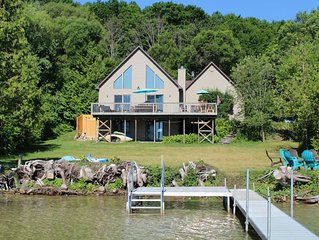 Beautiful Family House, Luxury Waterfront, Sleeps 13, Wine and Fall Color Tours
