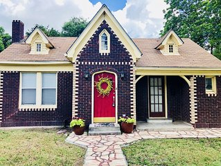4 Miles Northwest of Downtown San Antonio | Updated Cottage Home