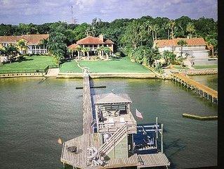 Gulf Waterfront Estate. Heated Pools. Private Pier. Walk to Boardwalk