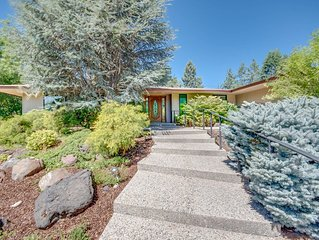 Spacious home on River in Richland!