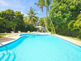 Villa Los Lagos 16-Chef-4maids-2golfcarts-walking beach-heated jacuzzi