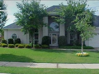 Southern Luxury: Eastchase District 3bd/ 2bth