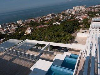 Great Ocean / City / Bay Views, 2 Master Suits, Plunge Pool. Great Location