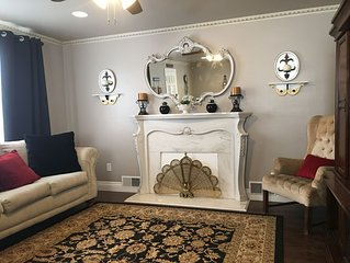 •Whole House Sleeps 10 • 6 min from Airport|Downtown