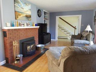 Three Floors of Spacious Living - with bonus space.  Bangor Maine Home Sleeps 8