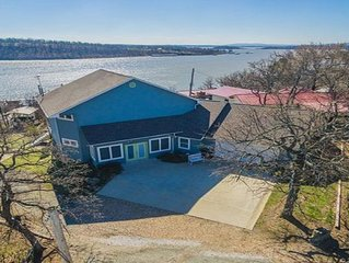 LUXURY LAKE HOME with Quick Access to Swimming Beaches and Boat Ramp