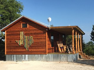 Romantic Ava Haus CABIN 3 minutes to Main! See our other 3 Ava Haus rentals!