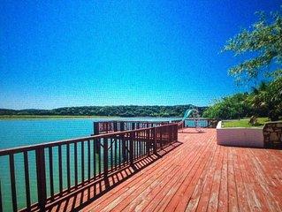 The Red Dock Retreat On Medina Lake