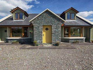 Stunning Home in Killorglin-Ring Of Kerry- Golf course overlooking Sea+Mountain