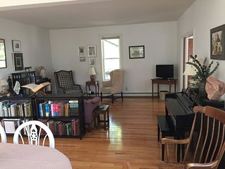 Two bedroom on first floor at the end of a quiet cul-de-sac in dowtown