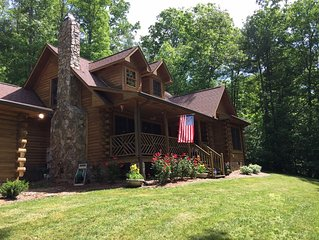 Peace full wooded setting Log Home, w/Stone Fireplace, Access to Lake Summit,