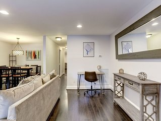 Cozy Modern Capitol Hill apartment,  1 block to Metro, Walk to Attractions