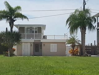 Paradise in Hudson with stunning gulf views. First class fishing and boating.