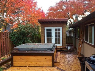 Backyard Hot Tub and Sauna Near Downtown