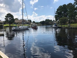 Waterfront Home in New Bern Gated Community