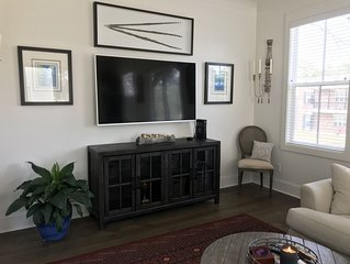*New Rates* New Townhome-- Walk to the Square, Short Drive to Campus
