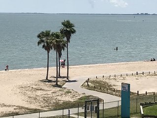 Corpus Christi Bay Side condo on the beach