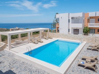 Villa Alexander 2 Bedroom Apartment close to Beach with Seaview and Pool