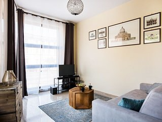 Bright New Apartment with a view & centrally located