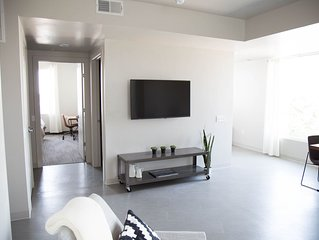 Beautiful New Apartment - Great location and view. Sleeps 4