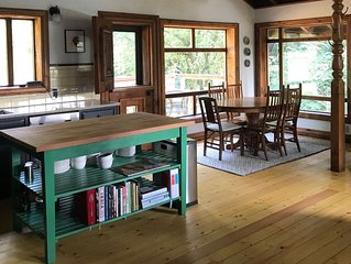 Cabin with Beautiful Sunsets - A Perfect Retreat for Families or Couples