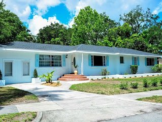 SeaHorse Cottage: Perfect, Relaxing King Bed Suite w/ free parking- DT location
