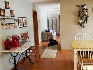 Spacious, 4 bedrooms home  Near Holland State Park  &  'large dog'  friendly!