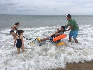 OCEAN FRONT, HANDICAP ACCESSIBLE, SLEEPS 6, PRIVATE BEACH, 2BED/2BA, PARK 4 CARS