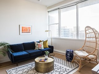 Sonder | Duncan Plaza | Central 1BR + Fitness Room