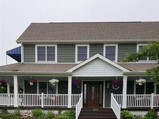 Beautiful Colonial Mint Condition Summer House Walking Distance to Beach