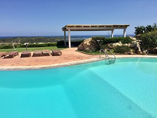 Panorama SeaView Apartment,5minutes from the beach, pool, free wifi, air-co