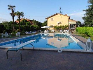 Villa  con Piscina a Velletri