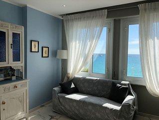 Bellissimo appartamento fronte mare davanti alla spiaggia, appena ristrutturato