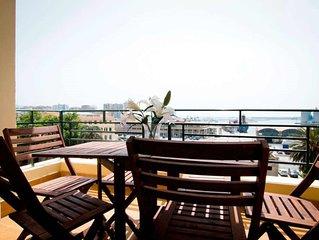 Apartamento de 3 dormitorios con terraza y vistas al mar