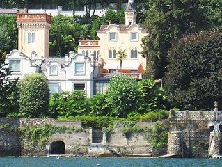 Appartamento di charme in villa-castello con parco davanti al lago