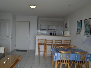 Ideally located Beach apartment with all amenities within walking distance
