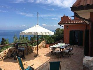 'CASA AZZURRA' splendida porzione di villa bifamiliare con panorama mozzafiato
