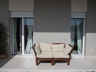 Appartamento con giardino di nuovissima costruzione a 400 metri dal mare