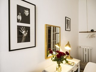 House of Frames - Style and Comfort in a typical milanese house