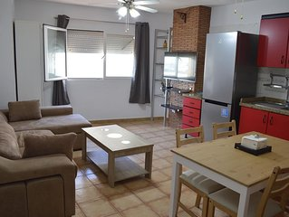 Lovely 2 bed apt Playa Chica (Wifi + Garage included) 2 min walk from the beach